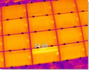 Contrôle des panneaux photovoltaïques, en jaune les zones endommagées