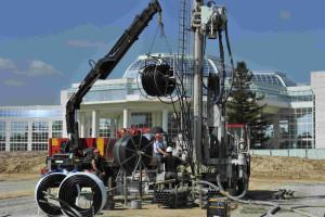 Le sous-sol du parc a été foré pour accueillir les sondes de géothermie, plantées à 100m sous terre. © Bouygues Construction
