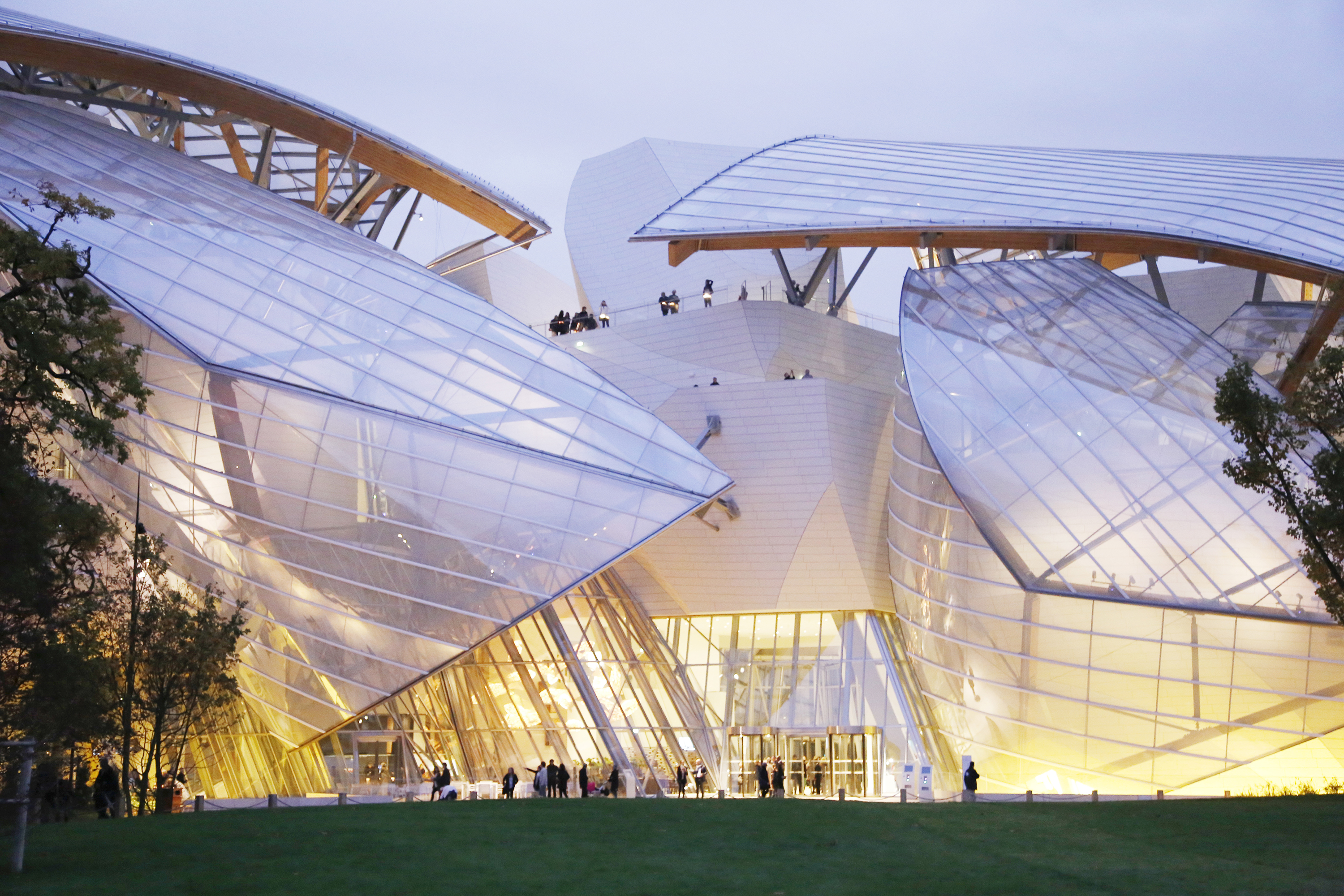 Fondation louis vuitton respiration lumineuse fili re 3e for Exterieur vert targetti