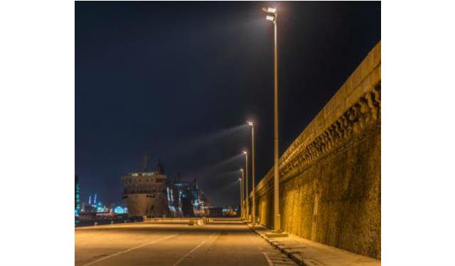 Trilux claire le port de croisi re de marseille fili re 3e - Port embarquement croisiere marseille ...