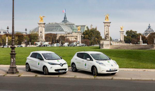 COP21, la flotte de l'alliance Renault Nissan Renault ZOE et Nissan LEAF (c) Olivier MARTIN-GAMBIER