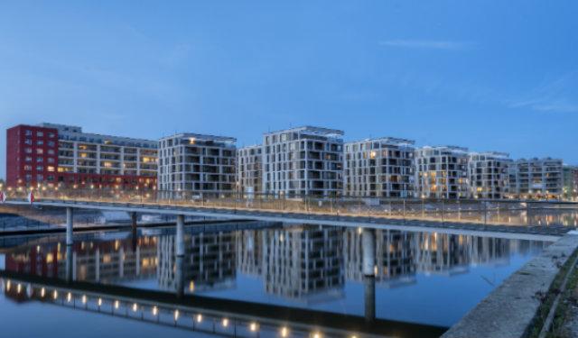 © Kontrast Fotodesign/LEC. Maîtrise d'ouvrage : Offenbacher Projektentwicklungsgesellschaft mbH (OPG) – Architectes : schneider+schumacher (Frankfurt) et Schüßler-Plan (Bureau d'ingénieurs) – Installateur : Energieversorgung Offenbach AG (EVO)