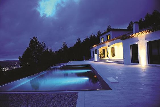 domotique magnifique maison moderne totalement pilotable et sc naris e fili re 3e. Black Bedroom Furniture Sets. Home Design Ideas