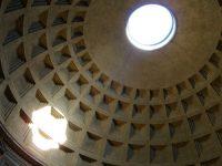 ©R.Zarytkiewicz – Rome occulus du Panthéon, dimanche 7 avril 2013 Vision de la lumière