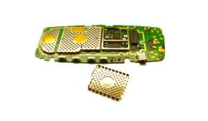 Vue du blindage électromagnétique d'un téléphone portable
