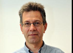 Alain Mignot Inventory & Service Manager chez Linvingston Livingston propose à la vente et à la location une gamme de caméras infrarouges pour les diagnostics des installations électriques et mécaniques, imagerie des installations de gaz, pour les applications médicales et vétérinaires et pour les applications en R&D.  Electricien+ - Vos ambitions européennes en location sont plus fortes depuis le rachat du groupe Microlease Alain Mignot - De plus en plus de clients à travers le monde se rendent compte que définir leur stratégie de solutions d'approvisionnement comme la location ou l'achat de matériel d'occasion est un moyen beaucoup plus efficace que de procéder à un achat direct. Les clients sont aussi plus attentifs à la gestion de leurs inventaires respectifs. Cela se traduit par une demande grandissante auprès des fournisseurs de test & mesure, en particulier auprès des loueurs. La combinaison des deux entités Livingston et Microlease signifie que nous serons en mesure de répondre à ces besoins croissants chez tous les clients afin d'opérer des  économies sur la gestion de leurs assets. Les capacités en terme de services et de produits des deux sociétés combinées offre de nouvelles perspectives. Il y a beaucoup de domaines complémentaires en termes de produits, de pays et de savoir-faire. Cela fait de nous la première société de location et de gestion d'inventaire en Europe. E+ - Quelle gamme de services de location proposez-vous ? AM - Nous proposons des services de location courte et moyenne durée à partir d'une semaine jusqu'à plusieurs mois mais aussi des solutions de financement sous forme de location-vente. E+ - Vous distribuez également des produits pour détecter les câbles et tester les installations électriques AM - Nous louons aussi des produits pour détecter les câbles enterrés ou pour tester les installations électriques (mesure de qualité du réseau, enregistreurs de données, mesureurs de terre…)