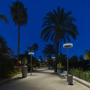 © Didier Boy de la Tour Le choix d'un éclairage 100 % LED a permis de réaliser d'importantes économies d'énergie.