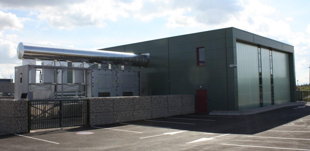 Datacenter de CFI Informatique avec récupération d'une partie de la chaleur des équipements de free cooling (source : Schneider Electric).