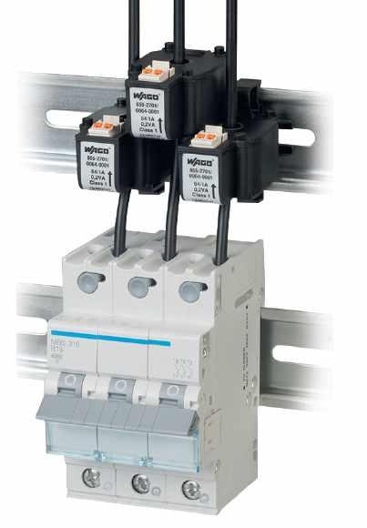 DR : Wago. Transformateurs d'intensité compacts et débrochables installés dans l'atelier de maintenance Regiolis.