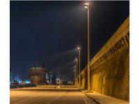Port de croisière de Marseille doté du luminaire Estedia – de nuit. © TRILUX