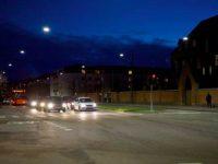 © Thorn. La plupart des luminaires à Copenhague sont suspendus sur des systèmes de câble (caténaire) au-dessus de la chaussée sur une ou deux rangées, en fonction de la largeur des zones de circulation.