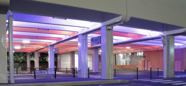 © Nicolas Wilmouth. Mise en lumière de la gare routière d'Évry-Courcouronnes – maître d'ouvrage : Évry Centre Essonne – Livraison 2012