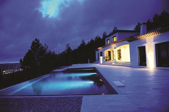 Domotique : Magnifique maison moderne totalement pilotable ...