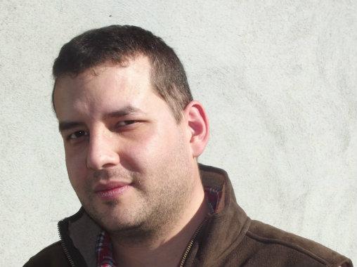 Auteur de cet article, Sébastien Point est ingénieur en optique, docteur en physique, et licencié en psychologie clinique et psychopathologies.