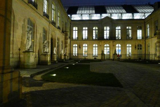 © LEA. Cour intérieure du Petit Chimay