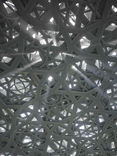 Louvre Abu Dhabi. Rain of light © Louvre Abu Dhabi. Photographe Roland Halbebe