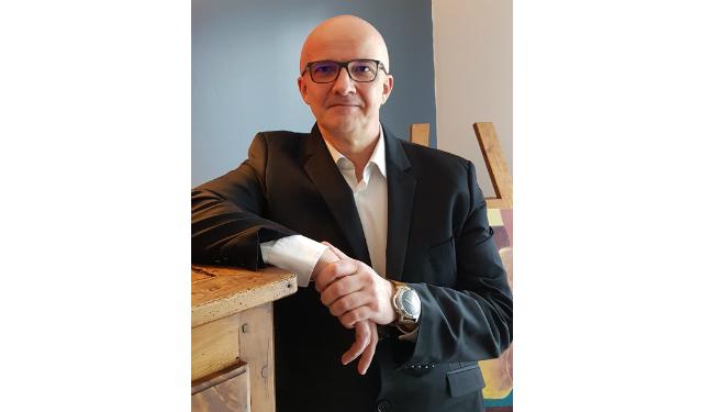 Stéphane Vanel, directeur commercial RZB France