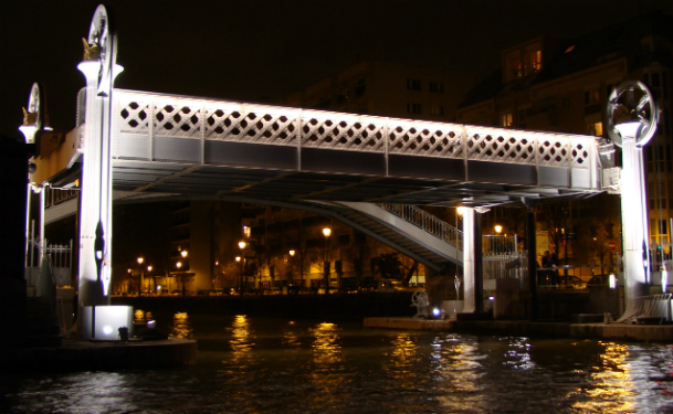DR. Pont de Crimée, Paris.