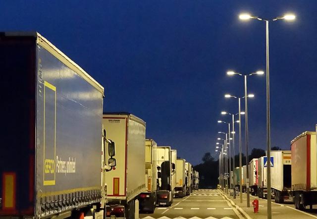 Dossier - Éclairage des parkings - EAS Solutions
