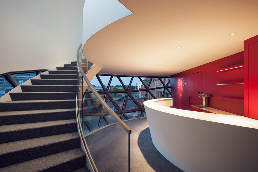 Sphère d'Oscar Niemeyer © Margret Hoppe - Sebastian Stumpf