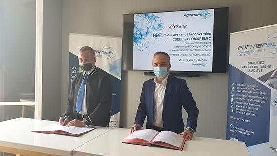 Henri Perez Directeur de Formapelec et Xavier Rosa, Président de la CSEEE signent le plan d'action
